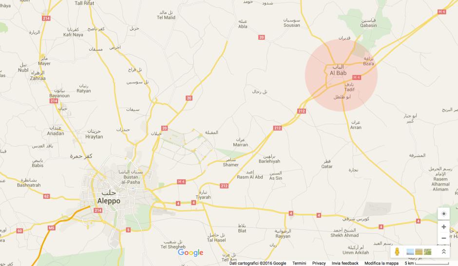 Al Bab è una città con un enorme mercato all'ingrosso. Nel 2012 è stato preso dallo Stato Islamico. Rimane comunque un importante punto di approvvigionamento per i mercanti e attivisti della Aleppo difesa dal Free Syrian Army.